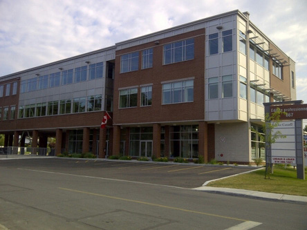 Building image of Repentigny Service Canada Centre at 667 Notre-Dame Street in Repentigny