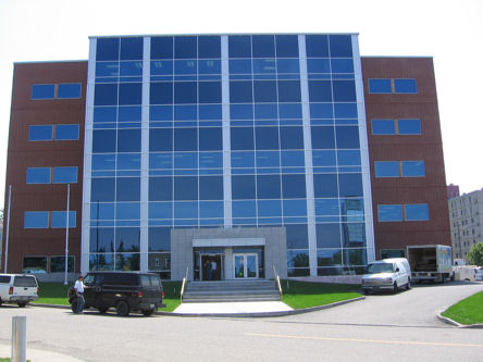 Building image of Rimouski Service Canada Centre at 287 Pierre-Saindon Street in Rimouski