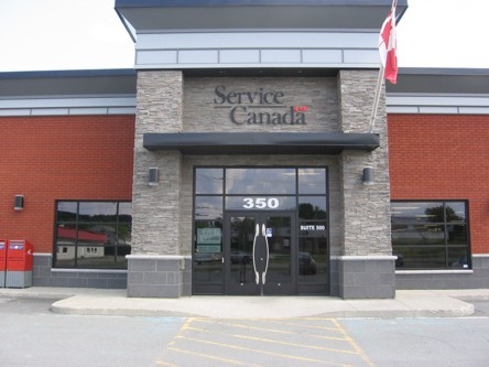 Building image of Thetford Mines Service Canada Centre  at 350 Frontenac Boulevard West in Thetford Mines