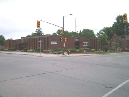 Building image of Gananoque Service Canada Centre at 5 Charles Street South in Gananoque