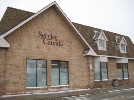 Building image of Markham Service Canada Centre at 5051 Highway 7 East in Markham